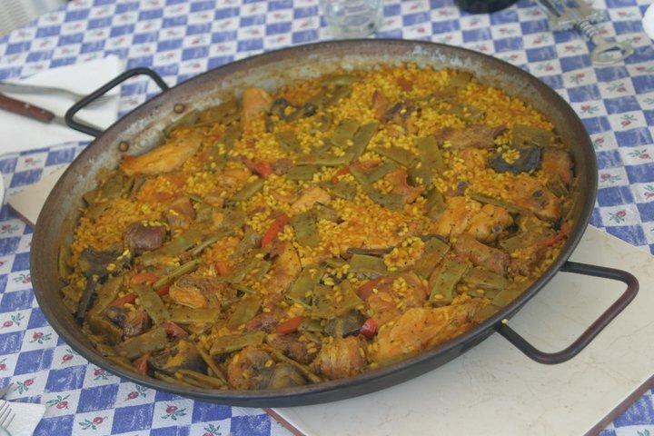 Paella valenciana servie table - Table pastorale de la bible en ligne ...